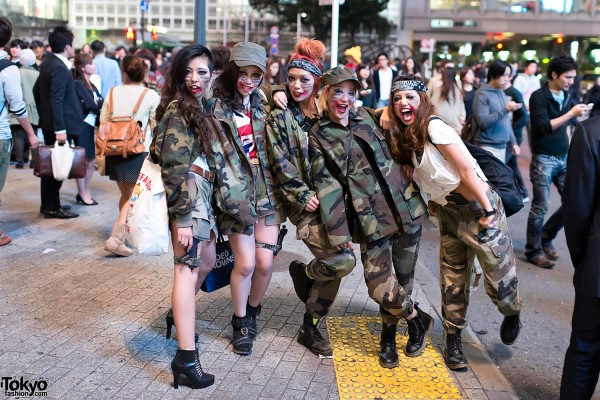 Shibuya Halloween Costumes 2012 (27)