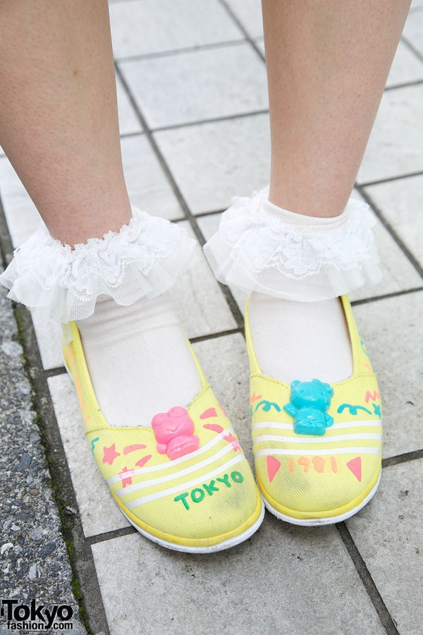 Cute Hello Kitty Shoes from Melon