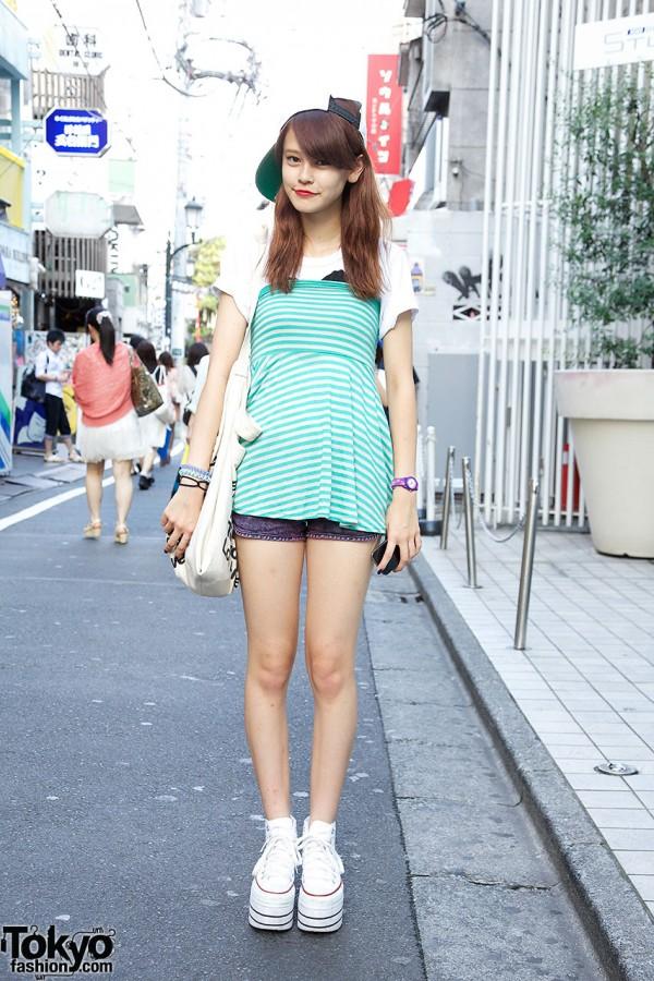 Zipper Model in Nadia Harajuku Striped Top & Platform Converse