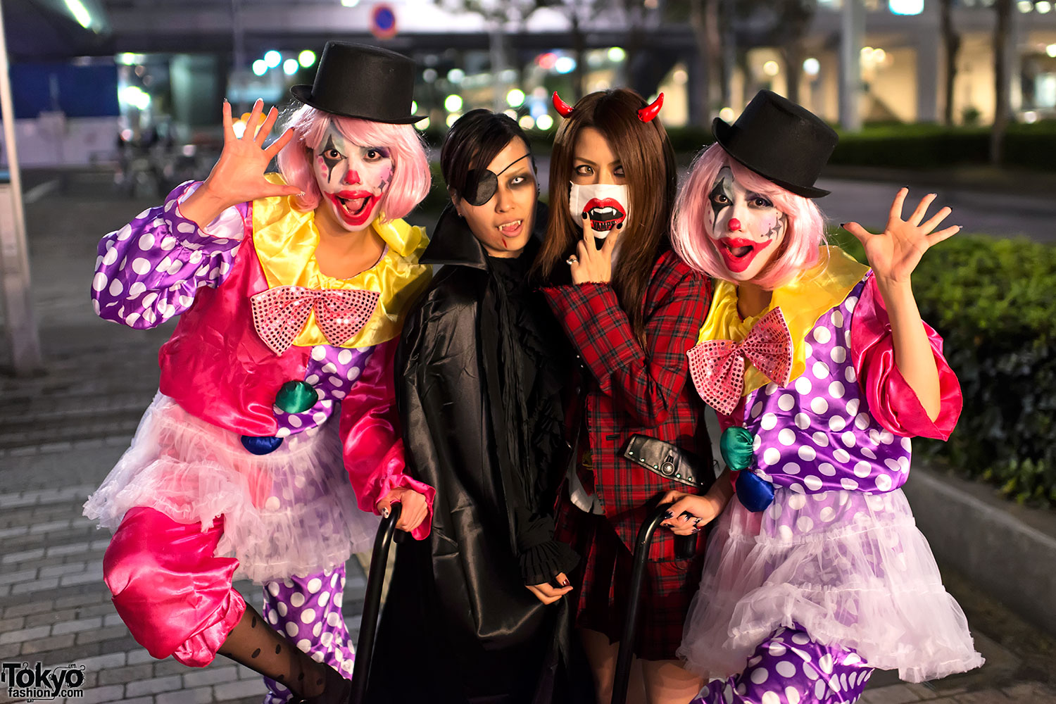 VAMPS Halloween Party in Tokyo - Fan Fashion & Costume Snaps