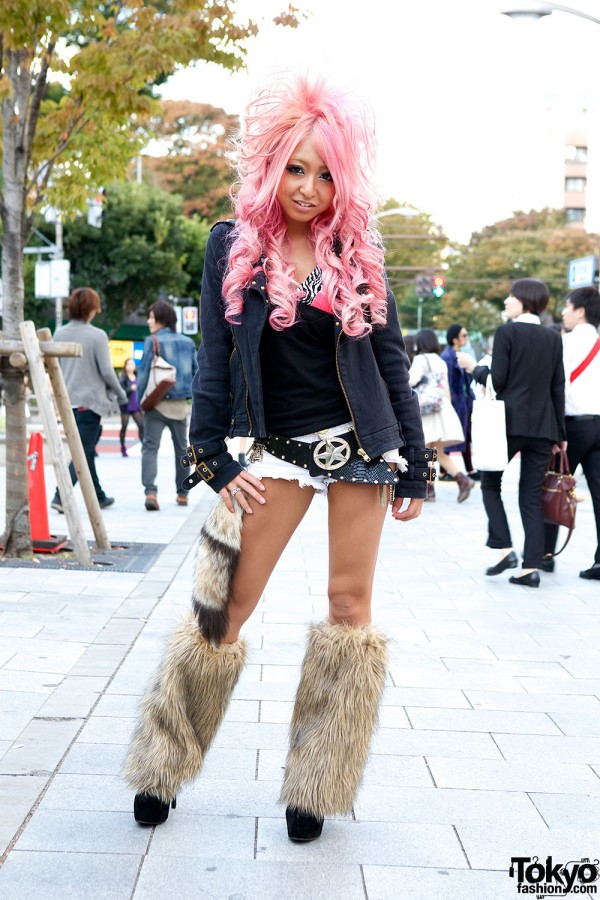 Kuro Gyaru Fashion in Shibuya