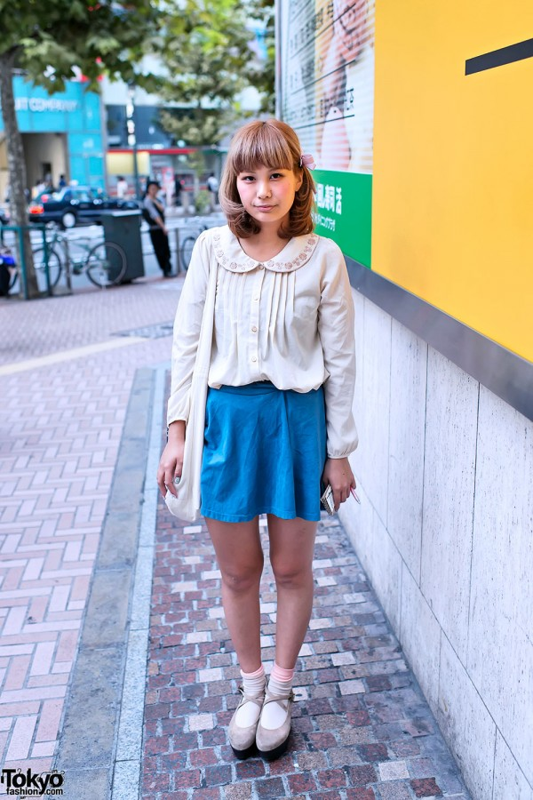 Hair Bow, Romantic Top & Suede Platforms in Shibuya