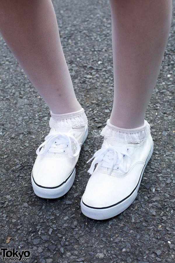 White Sneakers & Ruffle Socks