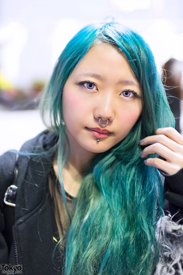 Aqua Hair & Piercings