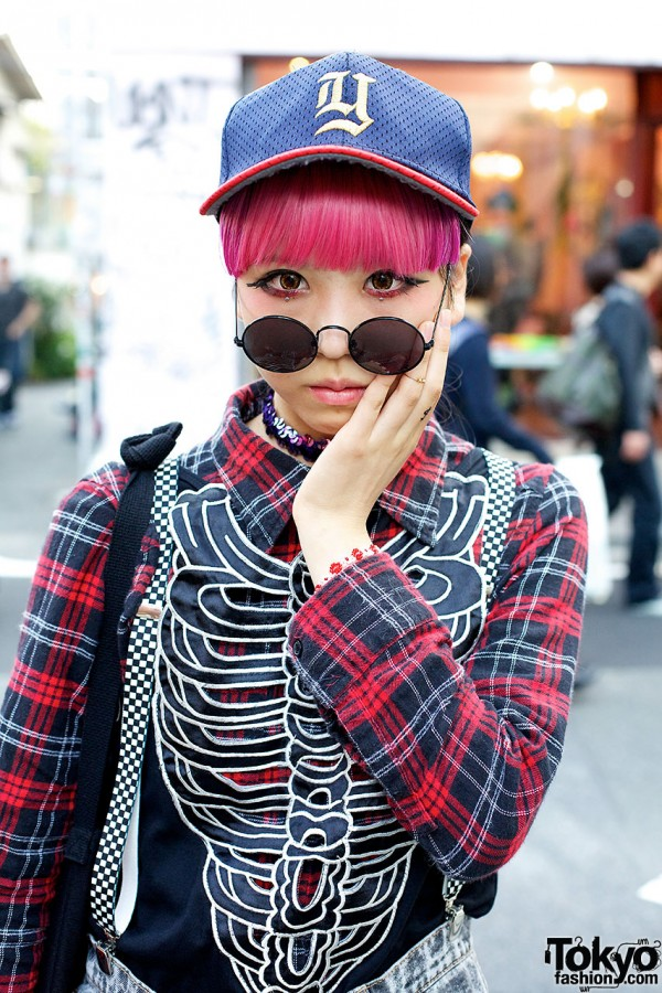 Pink hair & cap in Harajuku