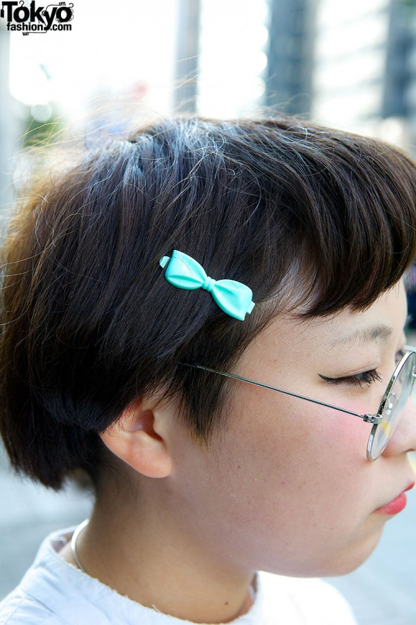 Plastic Bow Hair Pin