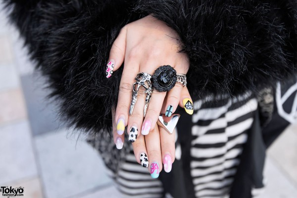 Black Skull Ring in Harajuku