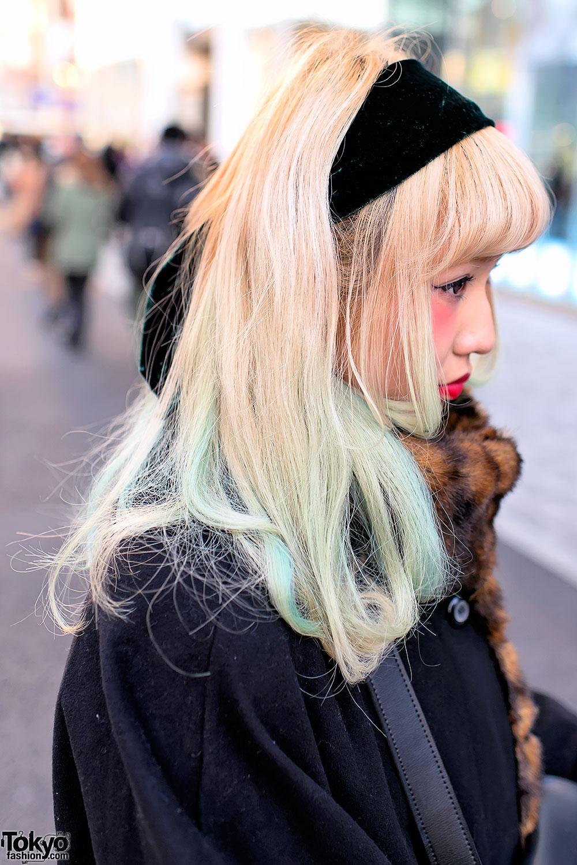 Блондинка берет selfpics