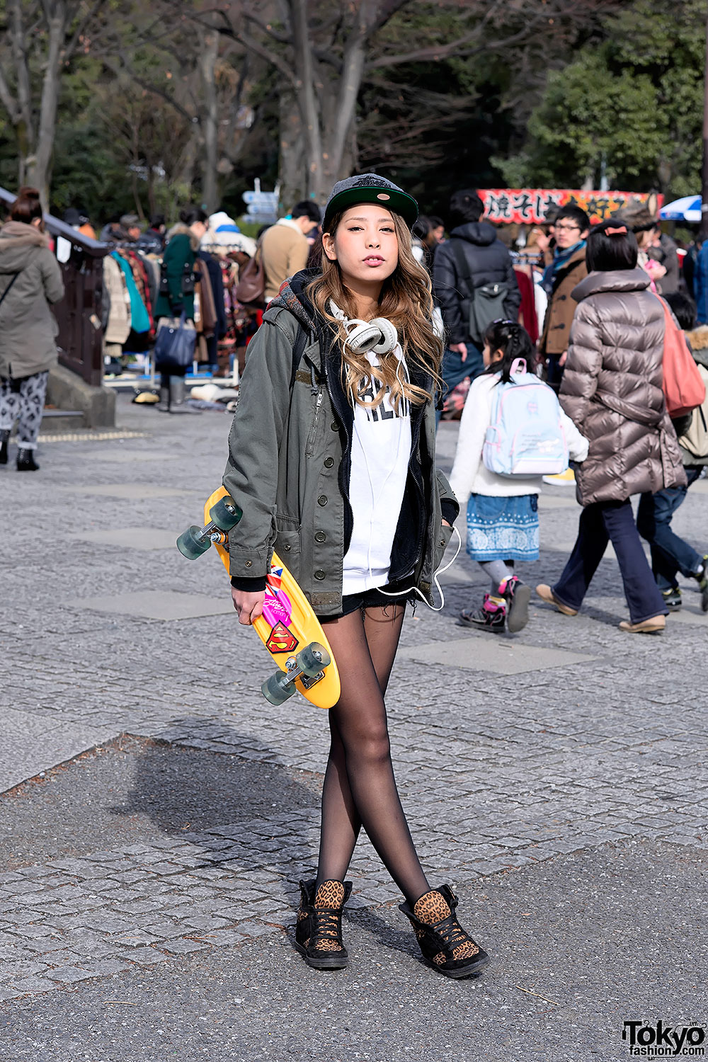 46db5b9e4d7 Blonde Harajuku Girl w  Supreme