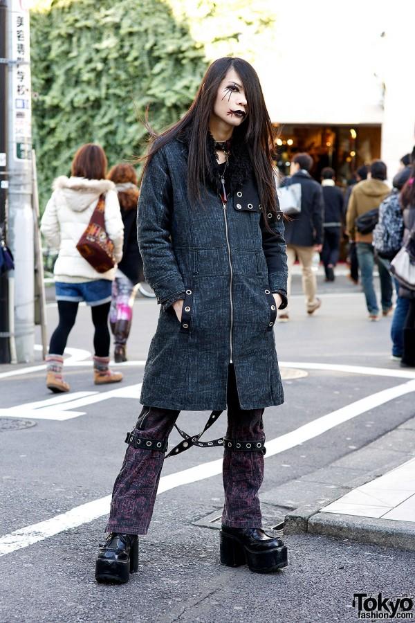 Kyouka in Harajuku w/ Algonquins Fashion, Gothic Makeup & h.NAOTO