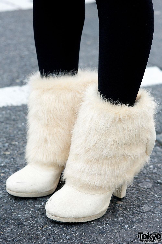 Camel Coat, Faux Fur Boots & Fuzzy Beret in Harajuku