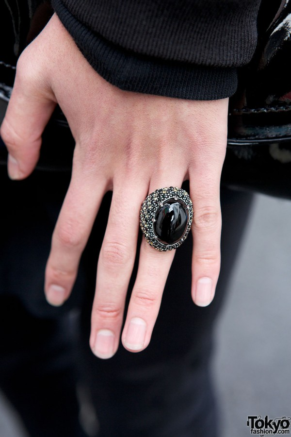 Black chunky ring