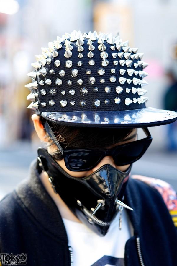 Spike cap