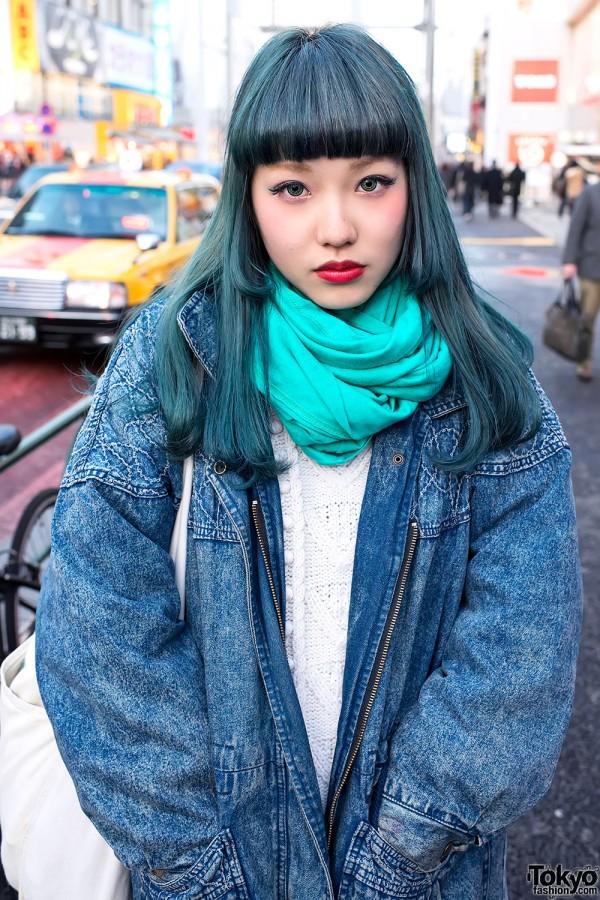 Aqua Green Hair in Harajuku