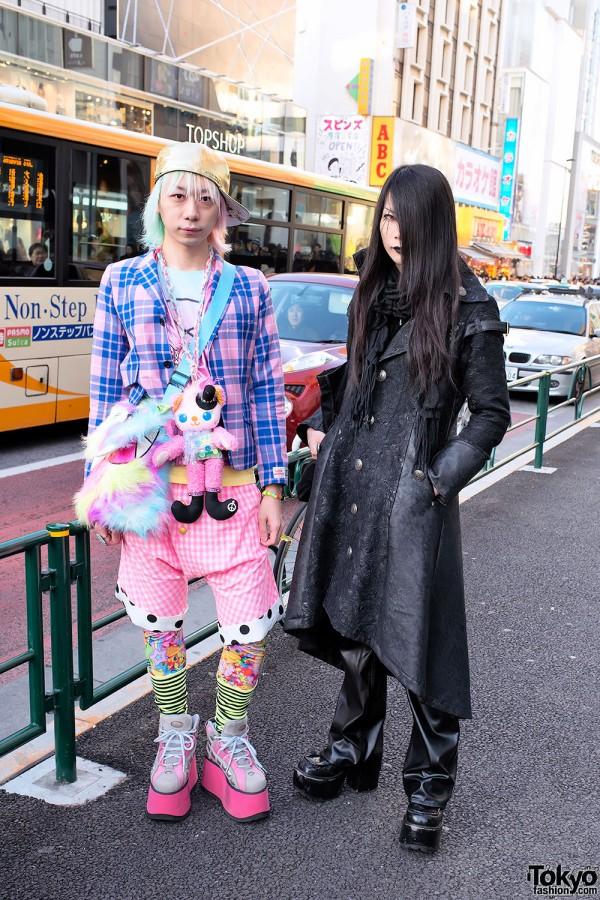 Junnyan & Kyouka in Contrasting (Kawaii vs Gothic) Harajuku Street Styles