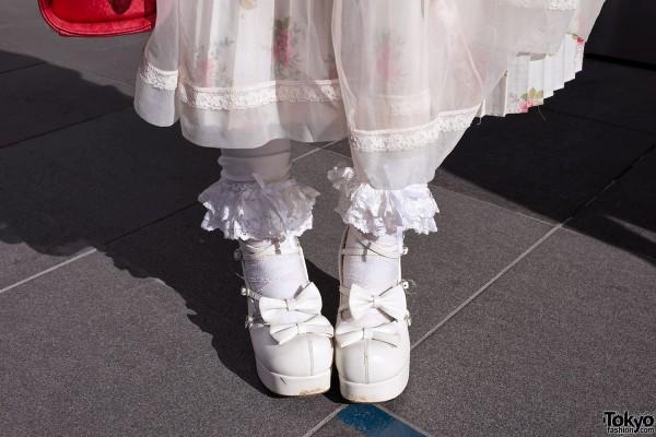 Bow Shoes & Ruffle Socks in Harajuku