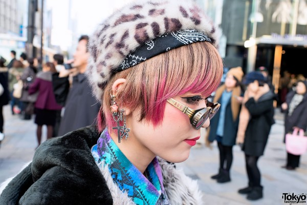 Pink-tipped Hair & Alice Black in Harajuku
