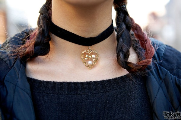 Heart chocker necklace
