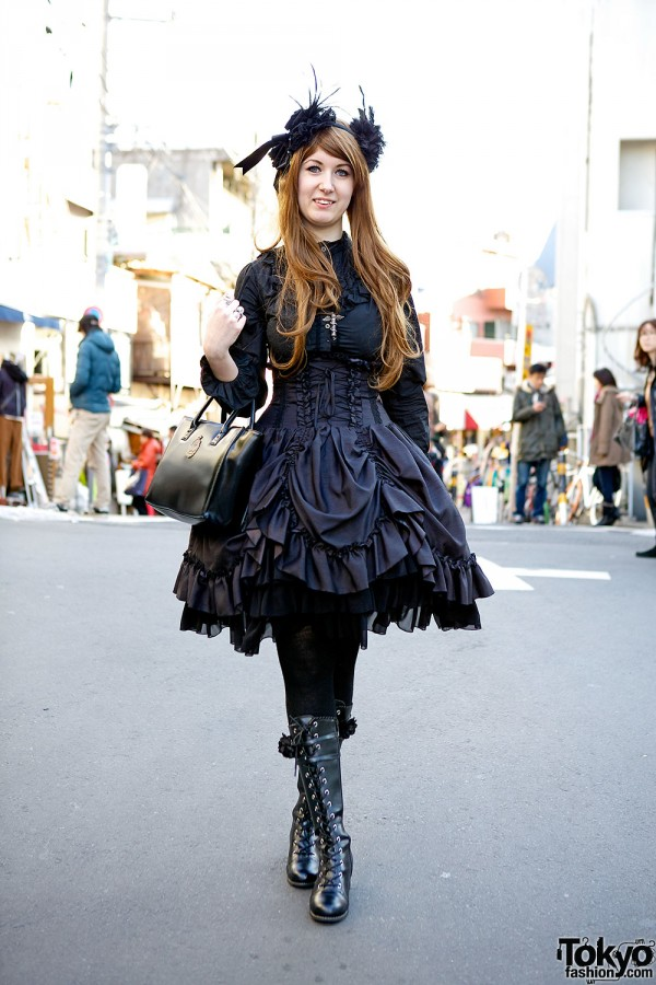 Atelier Pierrot & Alchemy Gothic Lolita Fashion in Harajuku