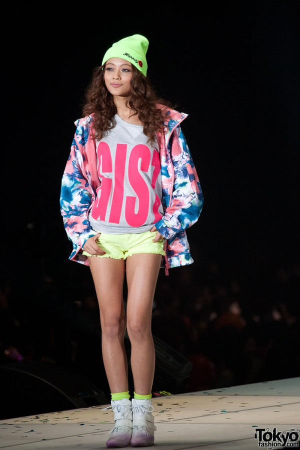 Avail at Tokyo Girls Collection 2013 SS