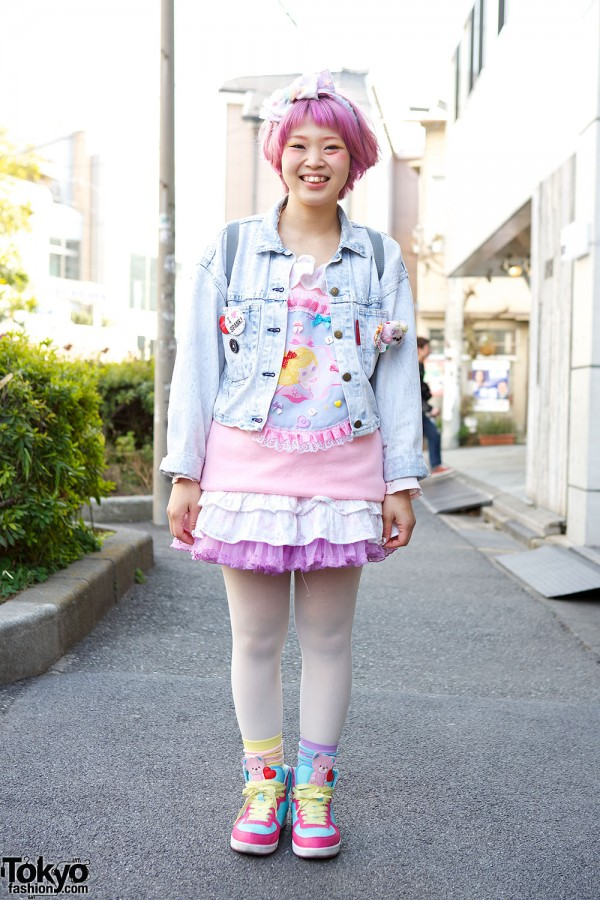 Harajuku Fashion Walk Street Snaps (19)