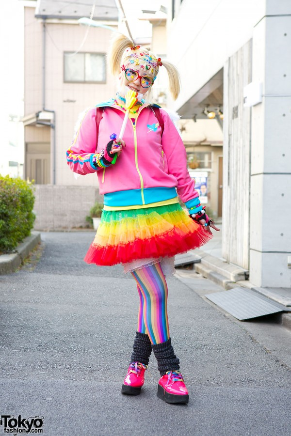 Harajuku Fashion Walk Street Snaps (37)