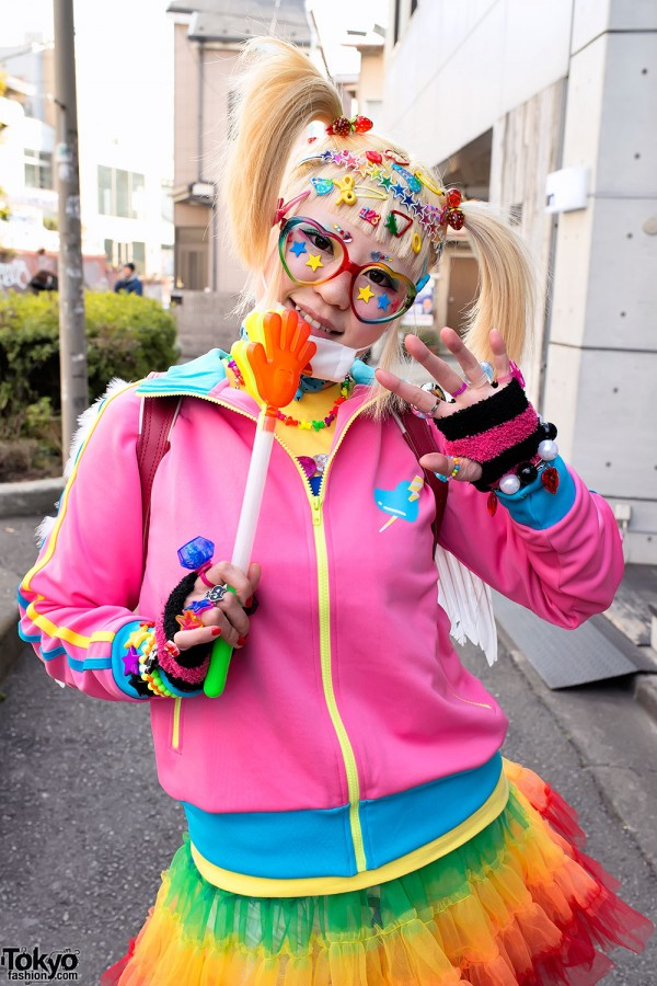 Harajuku Fashion Walk Street Snaps (38)