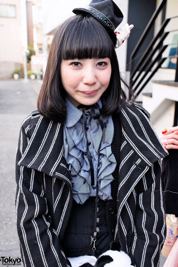 Harajuku Fashion Walk Street Snaps (49)
