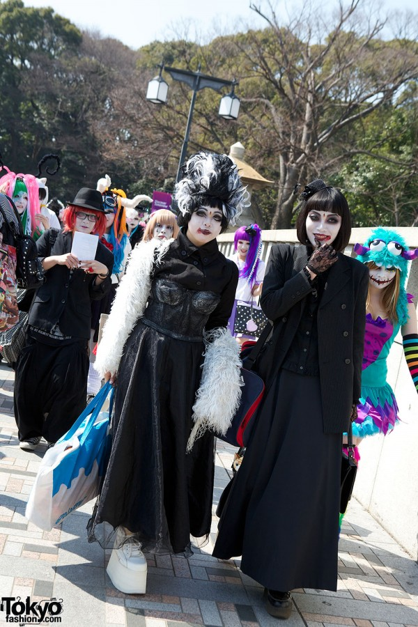 Japanese Shironuri Fashion in Harajuku (14)