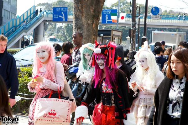 Japanese Shironuri Fashion in Harajuku (24)
