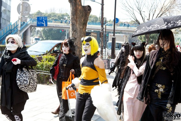 Japanese Shironuri Fashion in Harajuku (25)