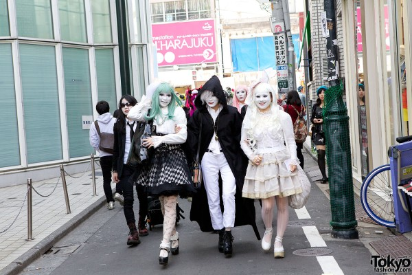 Japanese Shironuri Fashion in Harajuku (43)