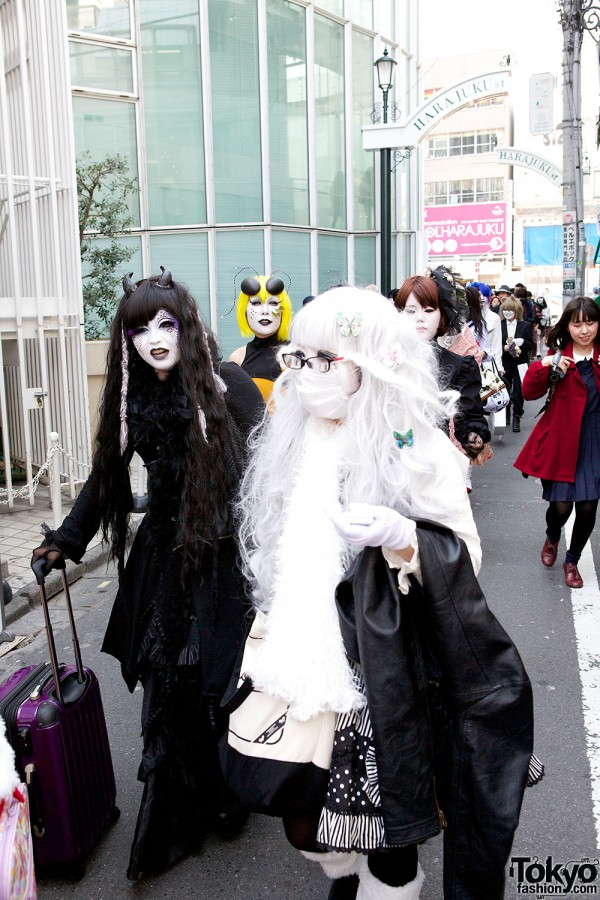 Japanese Shironuri Fashion in Harajuku (44)