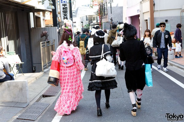 Japanese Shironuri Fashion in Harajuku (47)