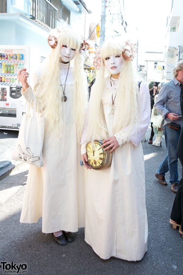 Japanese Shironuri Fashion in Harajuku (77)