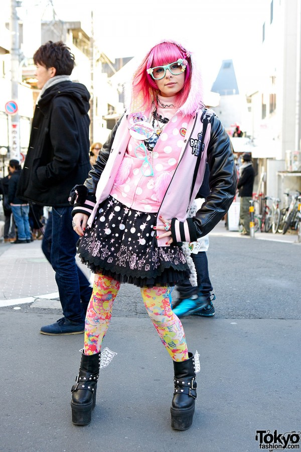 6%DOKIDOKI Hoodie w/ Broken Doll, Galaxxxy & Glad News in Harajuku