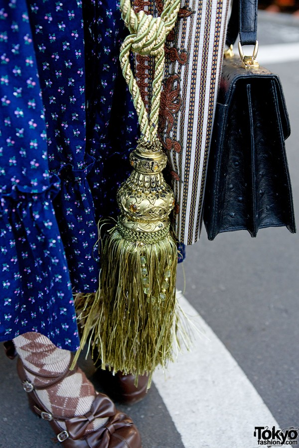 Oversized tassel necklace