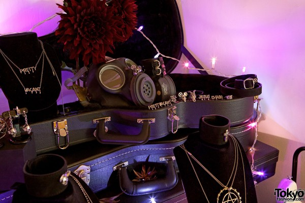 """Alice Black Jewelry """"Pretty Vacant"""" (28)"""