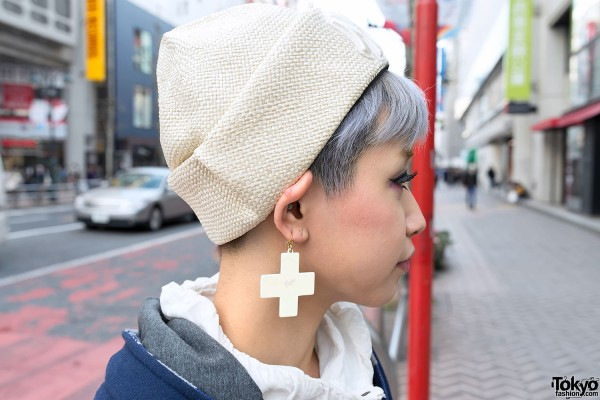 Vargas Cross Earring in Shibuya