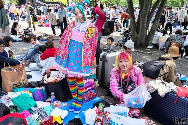Kurebayashi & Junnyan at the Yoyogi Flea Market in Harajuku