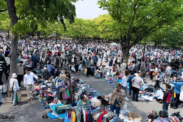 Big Crowds at the Yoyogi Flea Market