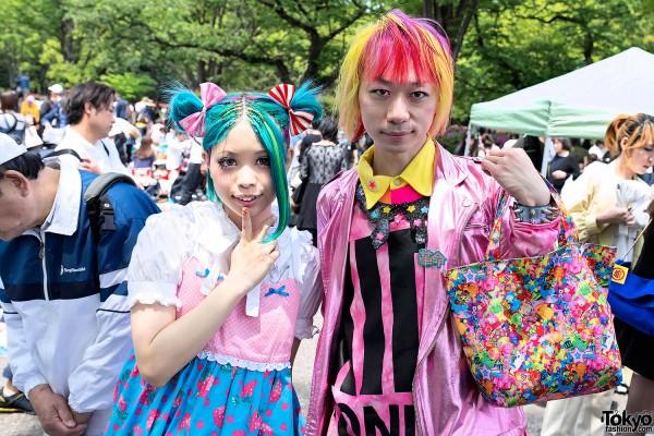 Aqua Hair vs Pink-Yellow Hair in Harajuku