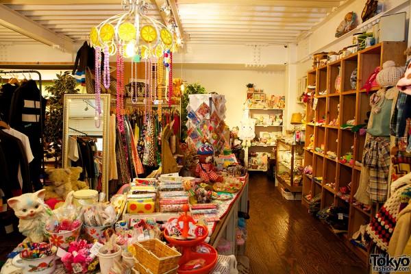 SOL Harajuku - Japanese Fashion Boutique (2)
