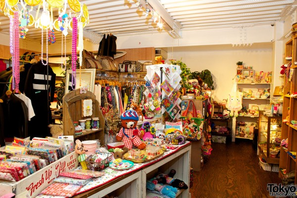 SOL Harajuku - Japanese Fashion Boutique (3)