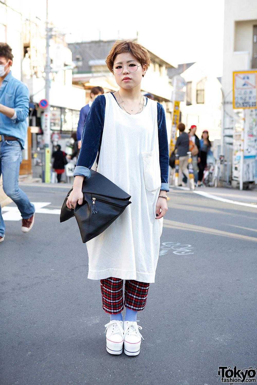 Harajuku girl in oversized top