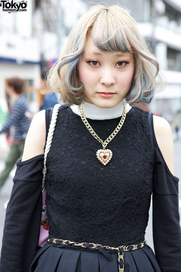 Blonde gray short hairstyle