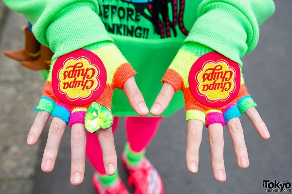 Chupa Chups Fingerless Gloves & 6%DokiDoki Ring