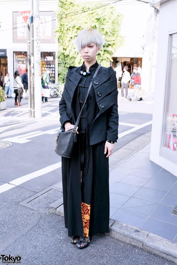 Short Silver Hairstyle & All-Black Fashion in Harajuku
