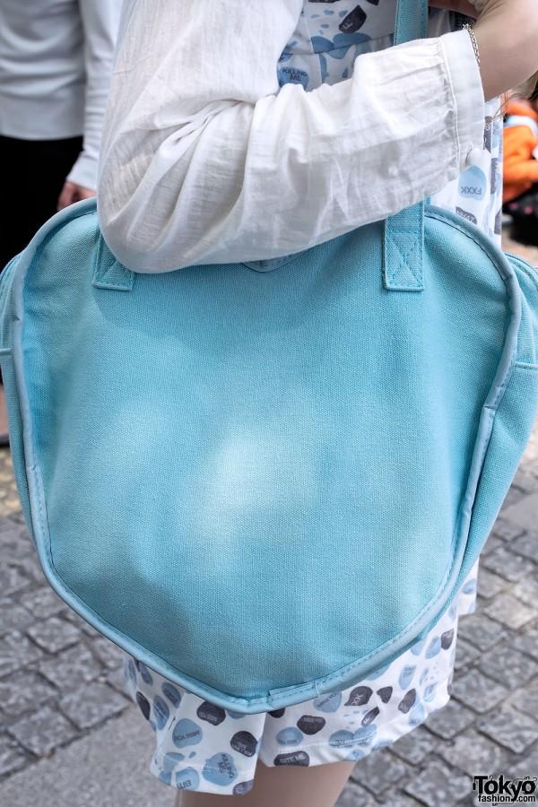 -http://tokyofashion.com/wp-content/uploads/2013/05/Blue-Candy-Hearts-Dress-Harajuku-2013-04-29-DSC6479-600x900.jpg
