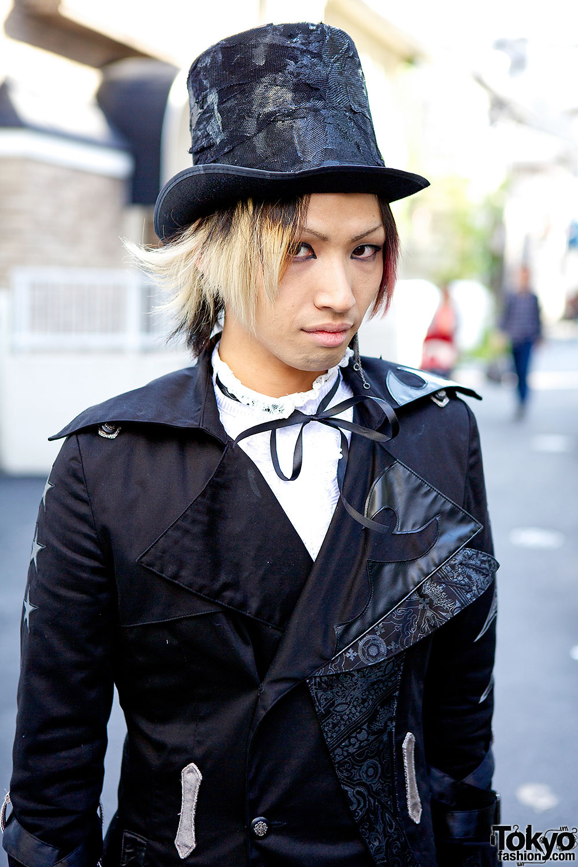 h.Naoto Staffer's Dark Harajuku Style w/ Top Hat, Black Jacket & Boots